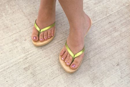 feet crossed: Summer Feet - Pretty pink & green toes