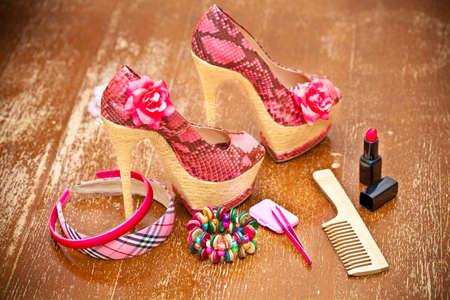 rosa Schuhe f�r Frauen mit Frauen Zubeh�r