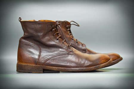 Old-School-Lederschuhe Braun. Mode-Trend, Italienische handgefertigte Schuhe. Vintage-Stil Lizenzfreie Bilder