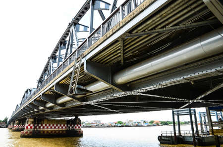 Bridge steel is strong at broad river