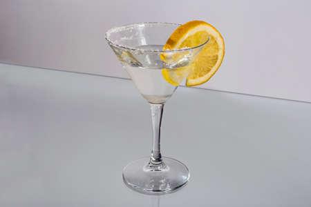 copa martini: Vidrio de Martini rodaja de lim�n wtih