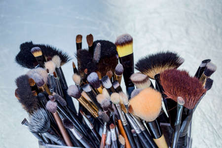 makeup fashion: Makeup brushes