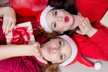 cintas navide�as: Dos ni�as que soplan besos para Navidad