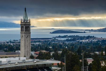 UC Berkeley Sather Tower with Sunrays Stok Fotoğraf