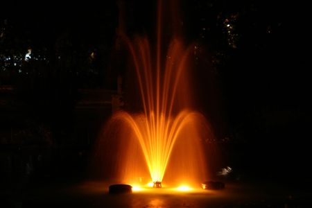 fountain by night 2