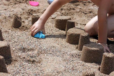 Dies ist ein einige Sand T�rme, am Meerstrand.