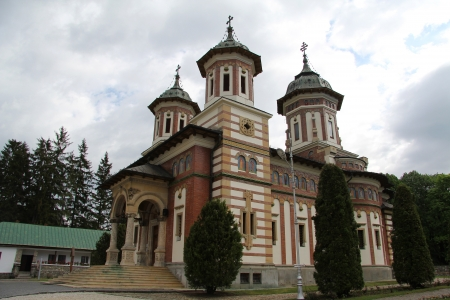 founded: The Sinaia Monastery, located in Sinaia, in Prahova County, Romania, was founded by Prince Mihail Cantacuzino in 1695 Stock Photo