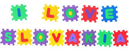 Nachricht Ich liebe Slowakei, aus Buchstaben Puzzle, isoliert auf wei�em Hintergrund