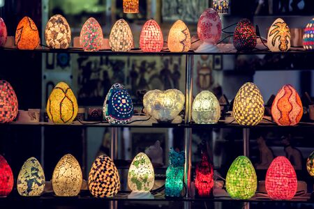 Traditional arabian style colorful lamps background. 免版税图像