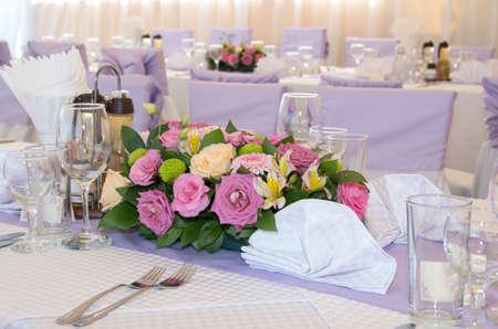 decoracion mesas: Decoración de mesas festivas. Foto de archivo