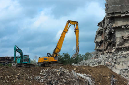 Clearing an urban area from a demolished building