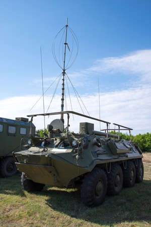 Military radio systems. Tactical vehicle communication system.