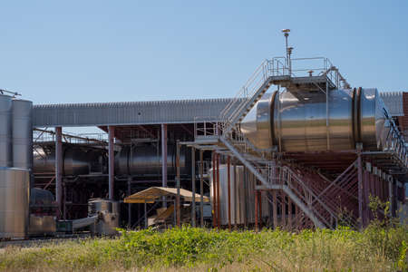 Wine Factory. Modern technological industrial equipment. 免版税图像