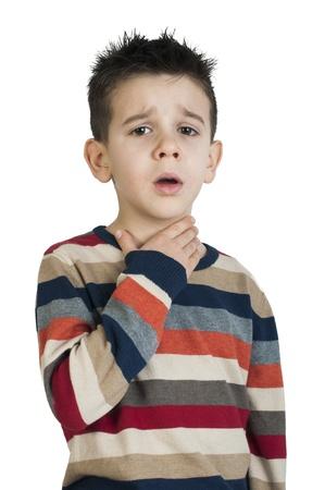 ni�os enfermos: Ni�o enfermo tiene dolor de garganta. Tiro del estudio