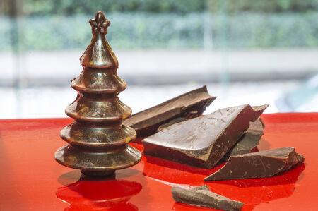 cioccolato natale: Cioccolato alberi di Natale. Cioccolato Brown. Bulgaria Archivio Fotografico