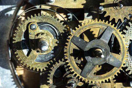 Fermez le mécanisme d'engrenages en métal. Banque d'images