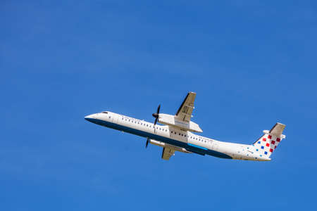 bombardier: Croatia Airlines Dash-8 mid air, shortly after take-off from Zagreb Airport
