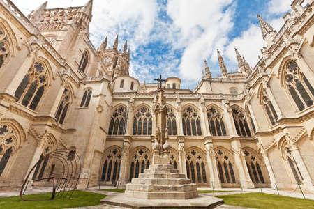 부르고스, 스페인에서 대성당의 내부 법원 스톡 콘텐츠