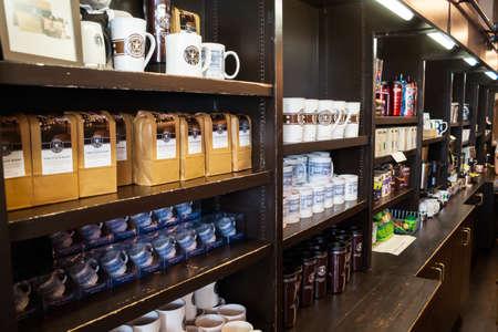 62 개국에서 20 891 매장에서 고 coffe 봉사 시애틀에서 2007 년 5 월 18 1912 파이크 플레이스에서 원래 스타 벅스 매장의 인테리어, 스타 벅스는 세계입니다