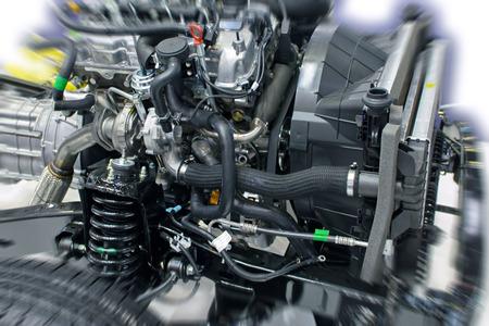 ラジエーターと懸濁液車エンジン部