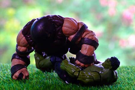supervillian: juggernaut battle hulk in garden