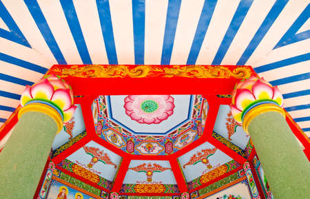 almshouse: China beautiful lotus motifs that come with the ceiling of the chapel. Stock Photo