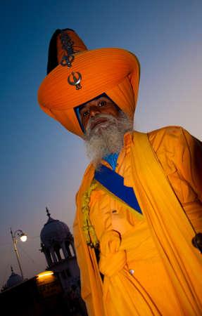 Sikh Nihang standing outside gurudwara Takht Shri Damdama Sahib, Bathinda, Punjab, India Stock Photo - 10820807