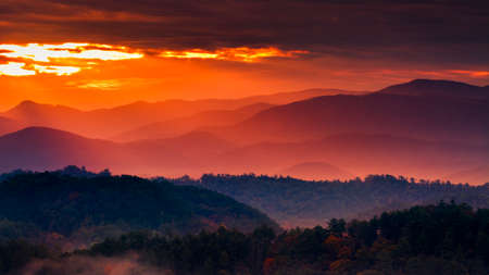 great smoky national park: Colorful autumn sunrise over the Smoky Mountains