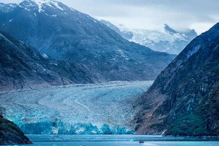メンデン ホール氷河近く Juneau、アラスカ湾みた