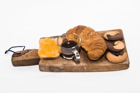jam biscuits: Breakfast: croissants, biscuits and jam