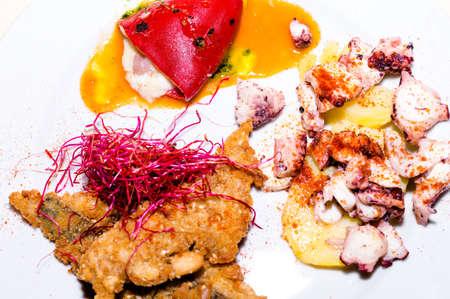 plato de pescado: Plato de pescado Foto de archivo