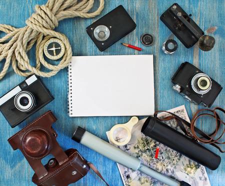 観光客や旅行者のためのレトロなアイテムのセット 写真素材