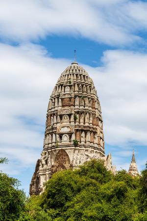 The central prang of wat Ratchaburana in Ayutthaya, Thailand Stock Photo