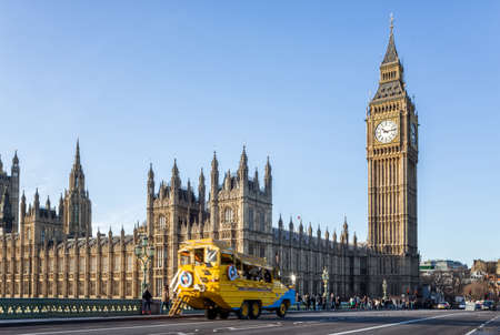 LONDON - DECEMBER 31:Big Ben on December 31, 2015 in London, England. The road in front of the big ben the popular place for travelers