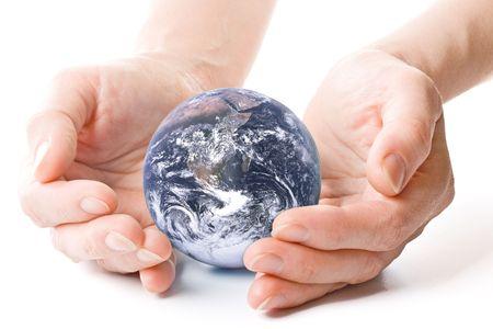 responsabilidad: NASA mundo en las manos. Concepto para la conservaci�n del medio ambiente.  Foto de archivo