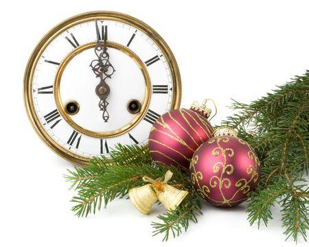 horloge ancienne: New Year's d�coration sur une horloge ancienne et d'une branche firtree