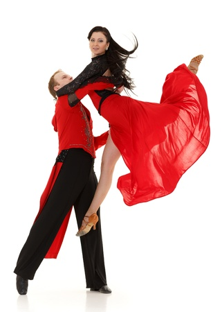 tanzen paar: Dancing junges Paar auf einem wei?en Hintergrund.