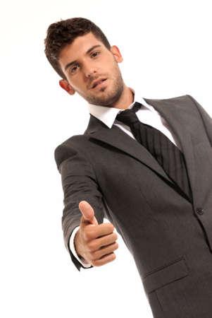 ok symbol: Giovane imprenditore simbolo ok gesto, isolato su sfondo bianco. Concentrata in mano