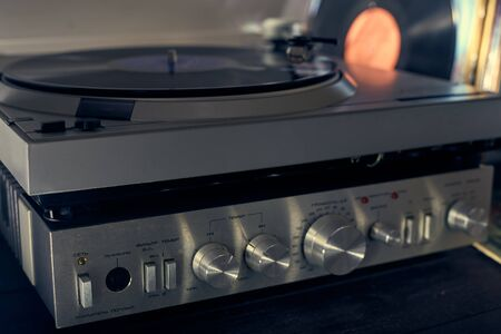 Music amplifier for vinyl player, turntables. Old school. musical atmosphere. Old player and analog music. Standard-Bild