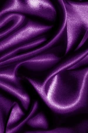 tela seda: tela de seda p�rpura abstracta ondulada Foto de archivo