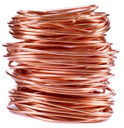 cobre: alambre de cobre aislado en blanco