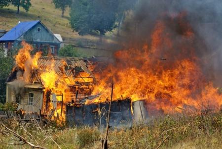 incendio casa: estaci�n de bomberos