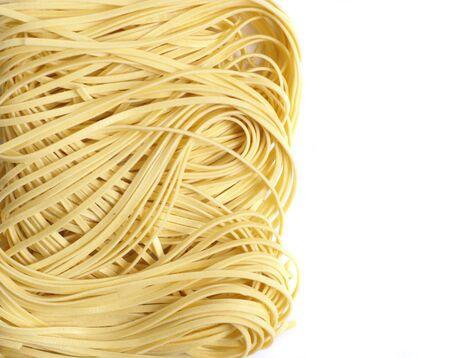 vermicelli: freash fideos aislados en blanco Foto de archivo
