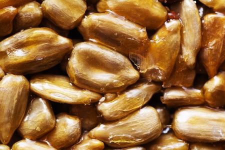 gozinaki: Honey bars with peanuts, sesame and sunflower seeds