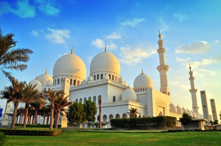 prayer tower: sheikh zayed mosque, abu dhabi, uae, middle east  Stock Photo