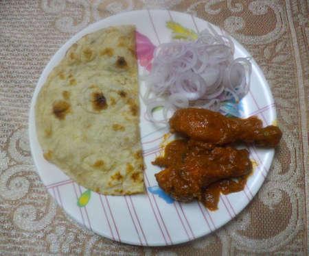 non vegetarian: Tawa Chicken and Tandoori Roti Stock Photo