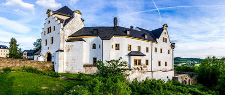 reisen: Panorama View of Castle Wolkenstein, Wolkenstein (Germany)