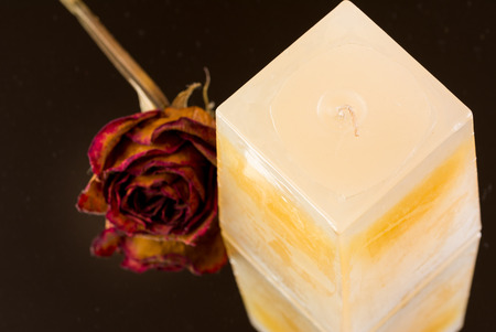 Vanilla, peach scented candle with dried rose bud