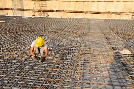 ouvrier: Travailleurs de la construction sur le site de la construction Banque d'images