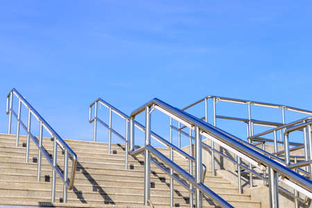 handrails: The steps of the stainless steel handrails